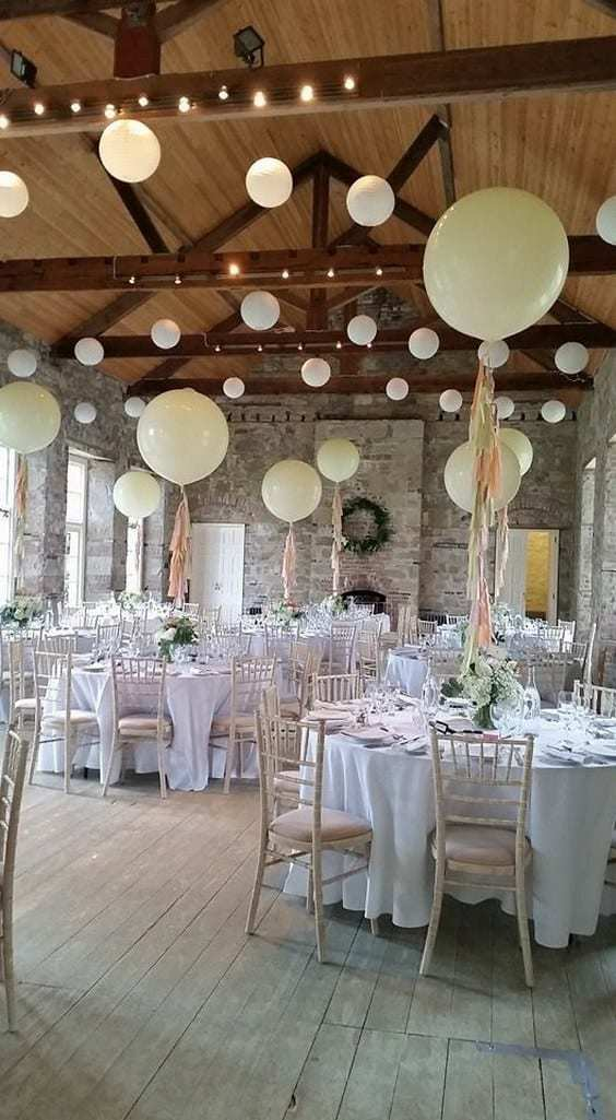 Giant Balloons Photo Ideas For Your Wedding